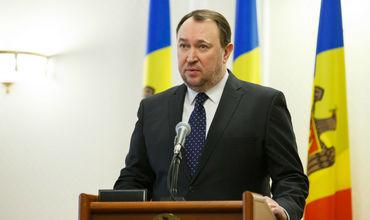 Экс-председатель Конституционного суда Александр Тэнасе.
