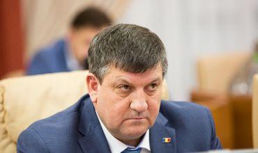 Экс-министра транспорта Юрия Киринчука приговорили к трем с половиной годам тюрьмы.