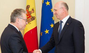 Филип обсудил с послом Франции активизацию двусторонних отношений