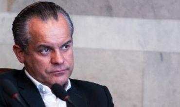 На последнем заседании парламента депутатов навестил Плахотнюк.