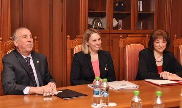 Заместитель помощника госсекретаря США прибыла с визитом в Кишинев