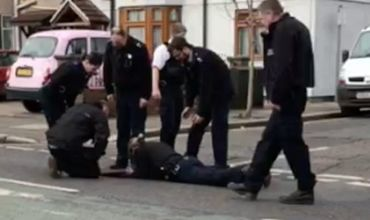 В Британии мужчина провалился в канализацию и блуждал там три дня