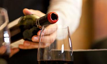 США могут обложить пошлинами вина Франции в ответ на цифровой налог.