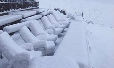 В Швейцарии выпал снег.