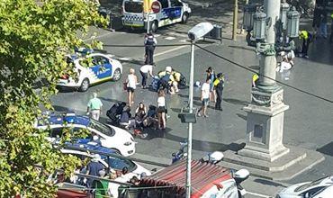 При наезде автомобиля на пешеходов в Барселоне пострадали 20 человек