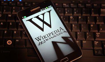 Предприниматель Крейг Ньюмарк перечислил Википедии 2,5 миллиона долларов на защиту от хакеров.