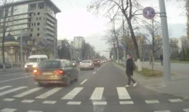В Кишиневе водители не пропускают пешеходов.