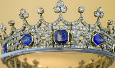 Принц Альберт сам придумал дизайн короны для своей невесты.