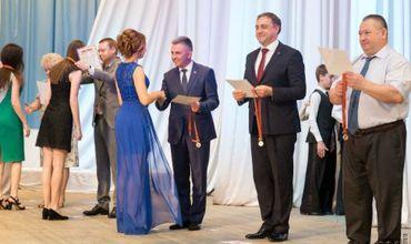 Красносельский наградил лучших выпускников приднестровских школ