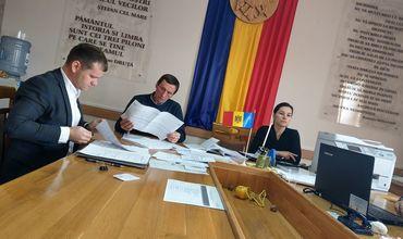 Валериу Мунтяну подал подписи в окружную избирательную комиссию Оргеева