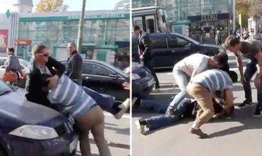 StopHam Moldova: Activiștii, atacați cu pumnii și picioarele de un șofer agresiv