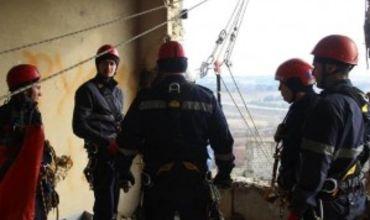 На Буюканах подросток упал со здания с высоты 15 метров.