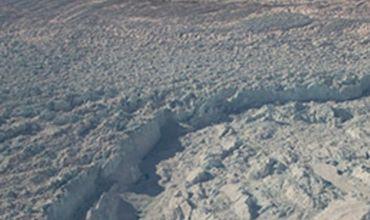 В Гренландии подо льдами обнаружена огромная река.