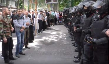 Молдова полиция церковь секс меньшины