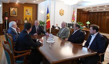 Додон обсуждает возможность пересмотра решений Конституционного суда Молдовы.