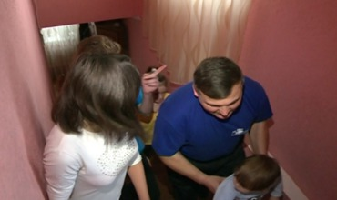 Валериу Барбу и его жена взяли восемь детей из разных приютов в свой дом.