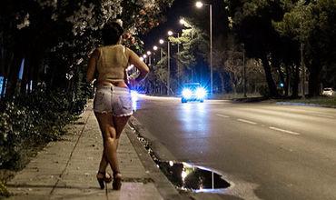 Одна проститутка из Молдовы приносит греческому сутенёру 1000 евро в день