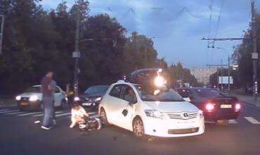 Авария произошла накануне на Буюканах, на перекрестнке улиц Алба-Юлия и Караджиале.