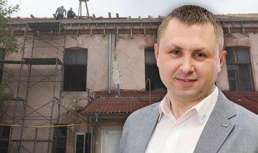 Экс-глава Управления строительства отвергает обвинения в плохом руководстве.
