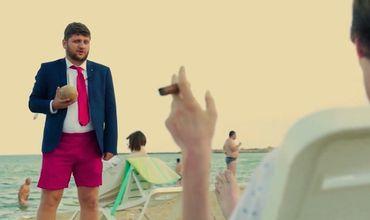 В Интернете появился забавный ролик, высмеивающий отпуск Шора и Плахотнюка в Затоке.