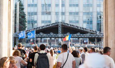 Количество настроенных против Евросоюза в республике уменьшилось с 17% до 14%.