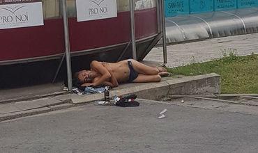 Голого мужчину, «загорающего» на тротуаре, высмеяли жители Кишинева