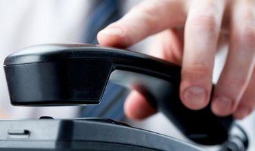 Vânzările pe piața serviciilor de telefonie fixă continuă să scadă
