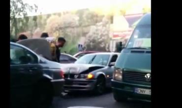 Столкнулось сразу четыре иномарки — три BMW и один Opel.