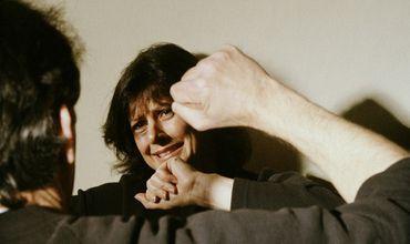 В то же время, не исключено, что и мужчина, понесет наказание за агрессивное поведение.
