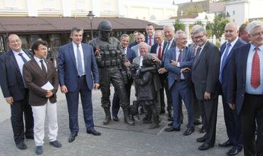 Украина раскритиковала французских депутатов за поездку в Крым
