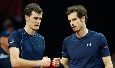 Британцы Энди и Джейми Марреи стали первыми в истории братьями, которые завершили год на лидерских позициях ATP.