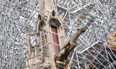 Французский парламент принял закон о реставрации Нотр-Дама.