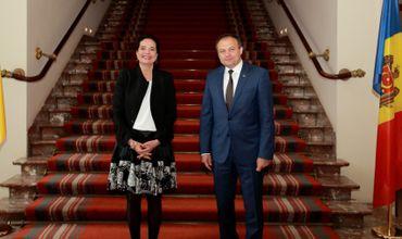 Председатель сената Бельгии Кристин Дефрень на встрече со спикером Андрианом Канду.