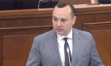 Председатель парламентской фракции Партии социалистов Влад Батрынча.