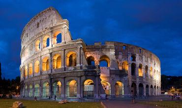 Au filmat Colosseum-ul cu drona. Turiștii amendați cu 3.000 euro