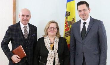 Глава МИДЕИ провел встречу с послом Австрии в Молдове