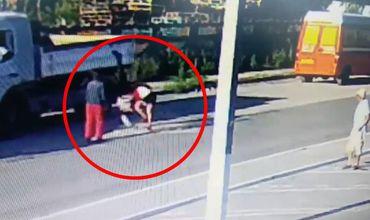 В Чимишлии мужчина и женщина набросились с кулаками на молодого парня. Фото: unimedia.info.