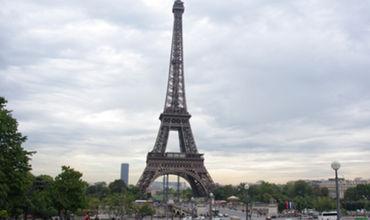 Эйфелеву башню эвакуировали из-за подозрительного предмета.