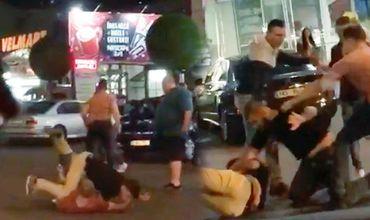 Ночью возле торгового центра Atrium произошла массовая драка.