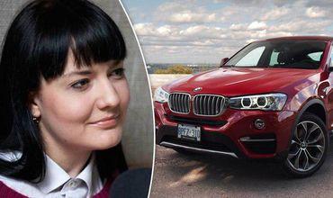 Экс-госсоветник Габурича купила люксовый BMW за 150 евро