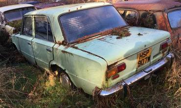 Машины были сделаны на экспорт — у них правый руль. Предположительно, на них ездили в 1963—1983 годах.