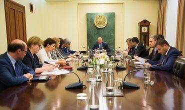 Правительство во главе с Павлом Филипом организовало заседание, не объявив об этом публично.