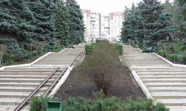 В кишинёвском зоопарке обновят главную лестницу и тротуары