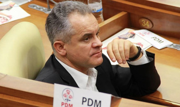 В Демпартии опровергли информацию об инсульте у Плахотнюка.