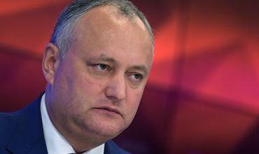 """Администрация президента Молдовы назвала """"фейковой новостью"""" информацию о готовящемся в стране государственном перевороте."""