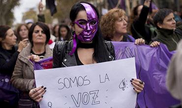 В Испании проходят акции против насилия над женщинами.