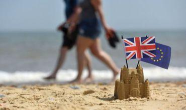 Великобритании понадобится 140 лет для регистрации европейцев