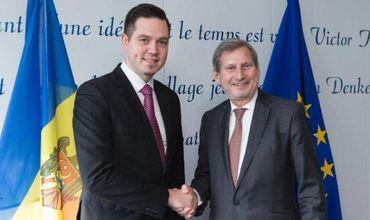 Министр иностранных дел РМ встретился с еврокомиссаром по расширению