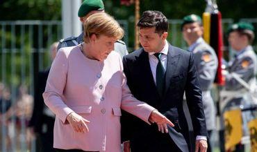 Меркель заявила, что чувствует себя хорошо после вчерашнего недомогания.