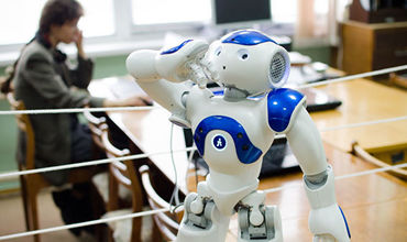 Университет для обучения роботов и искусственного интеллекта появится в России к 2035 году.